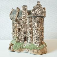 LILLIPUT LANE: Claypotts castle