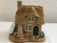 LILLIPUT LANE: The Cuddy